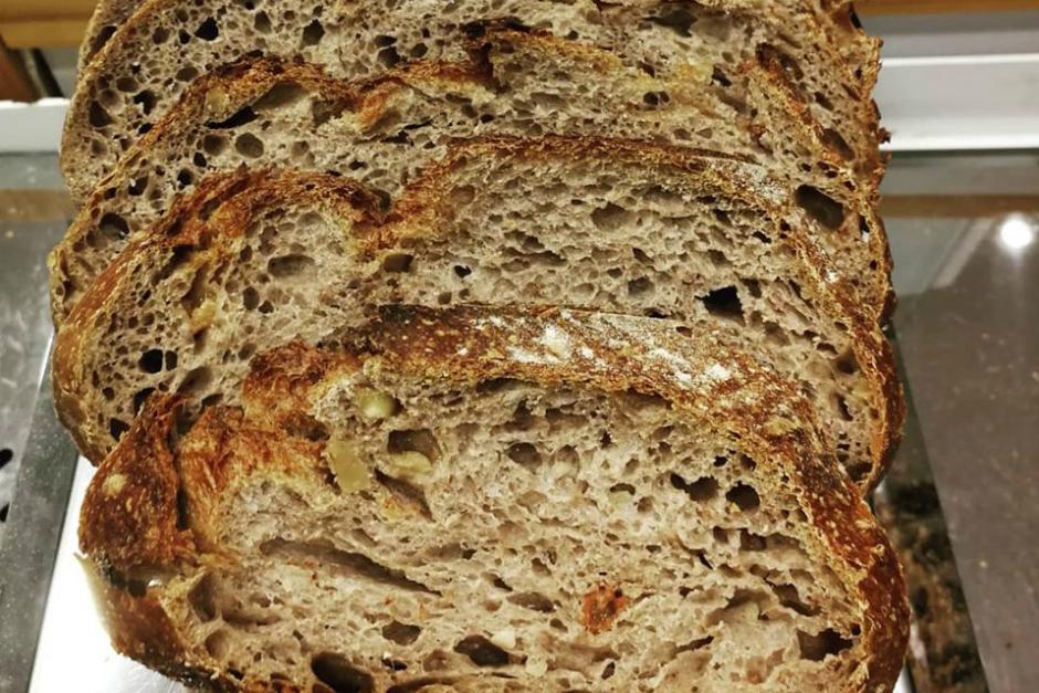 https://www.facebook.com/Urban-Bread-Artisan-Bakery-179758386015553/ | facebook