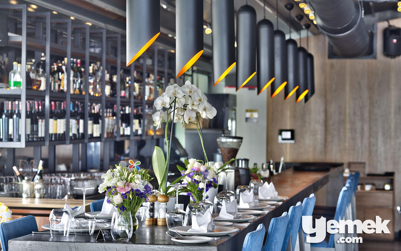 Ouzo Roof Restaurant Bar Bölümü