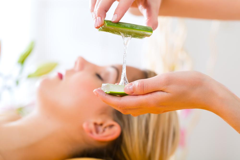 Aloe vera cilde iyi gelir ve kırışıklıkları önler ile ilgili görsel sonucu