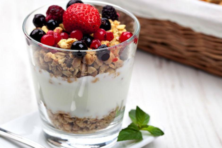 meyveli-yogurt
