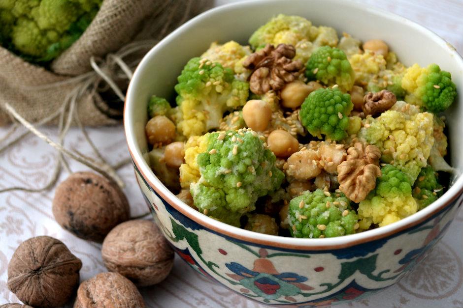 nohutlu-romanesco-salatasi