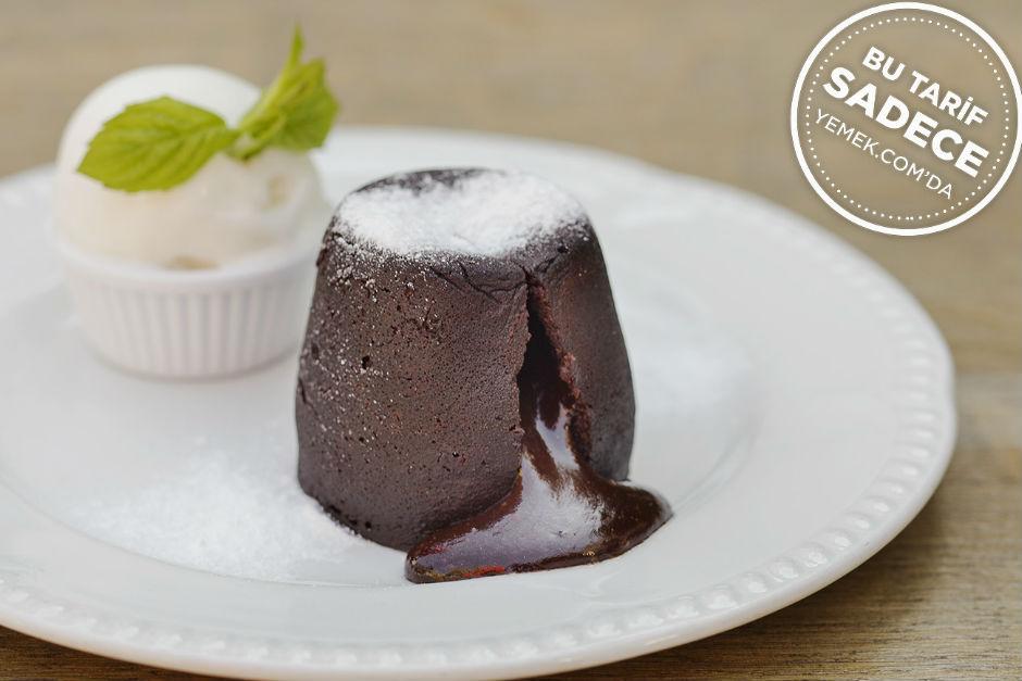 Helvalı Çikolatalı Kek Tarifi