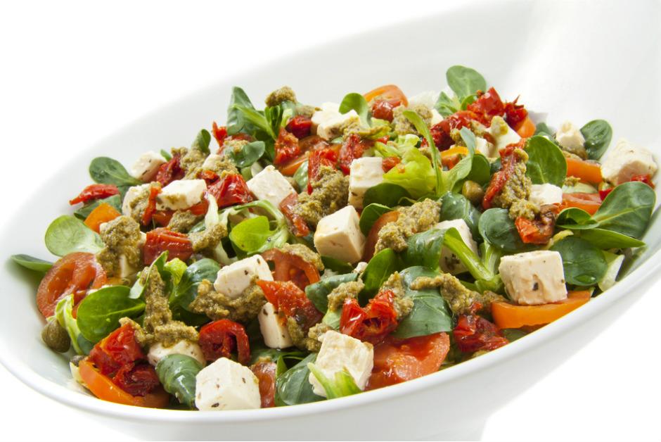 Ceviz Soslu Semizotu Salatası