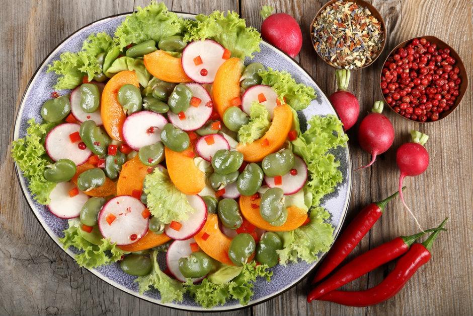 İç Baklalı Yaz Salatası Tarifi
