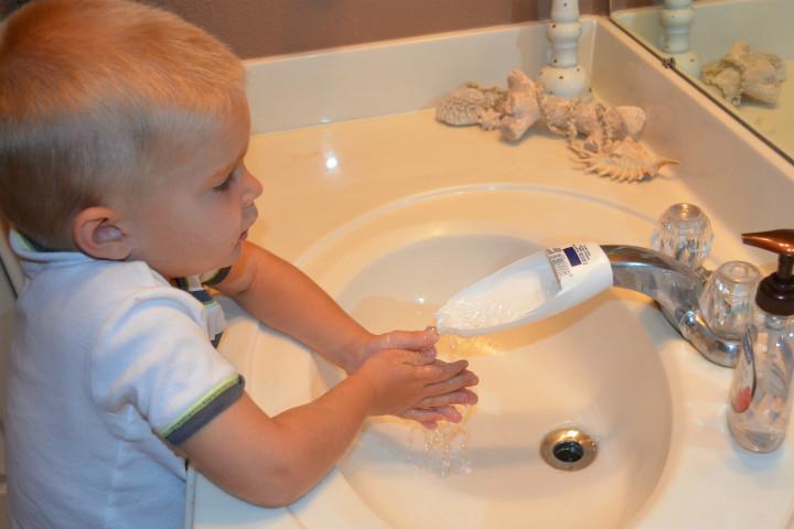 http://www.cheeriosandlattes.com/faucet-extender-for-kids-diy/ | cheeriosandlattes