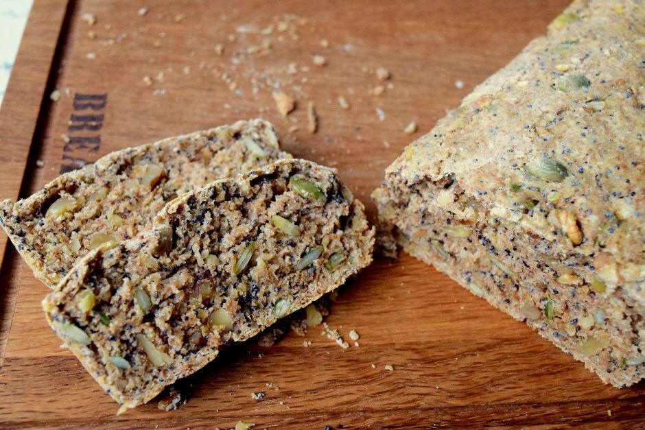 Kuruyemişli Ekmek Tarifi