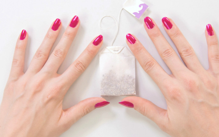 http://stylecaster.com/beauty/how-to-fix-a-broken-nail/ | stylecaster