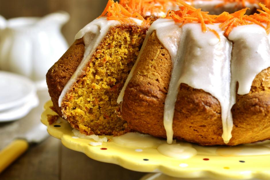 Kolay Havuçlu Tarçınlı Kek Tarifi