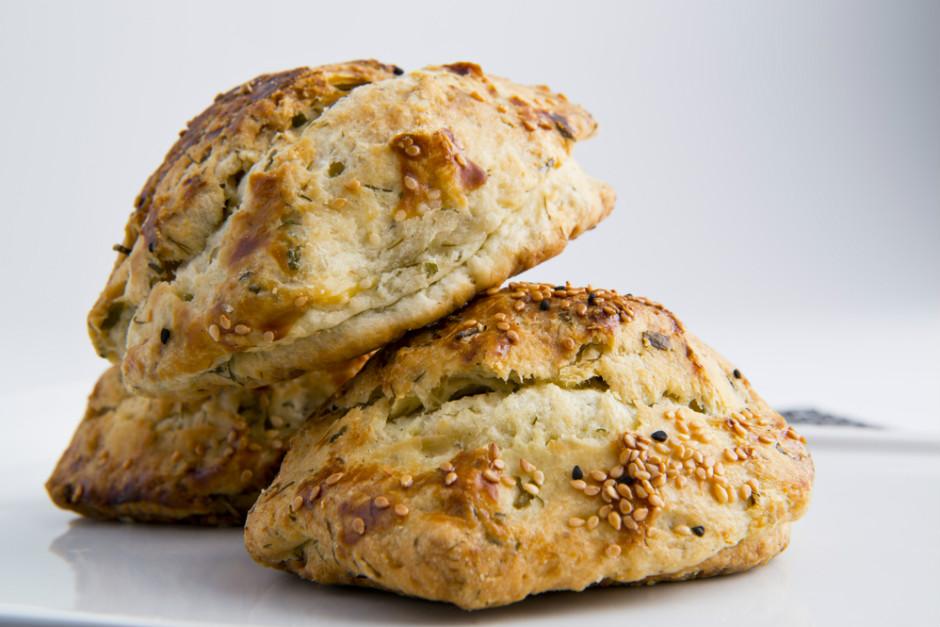 Lor Peynirli Dereotlu Poğaça Tarifi