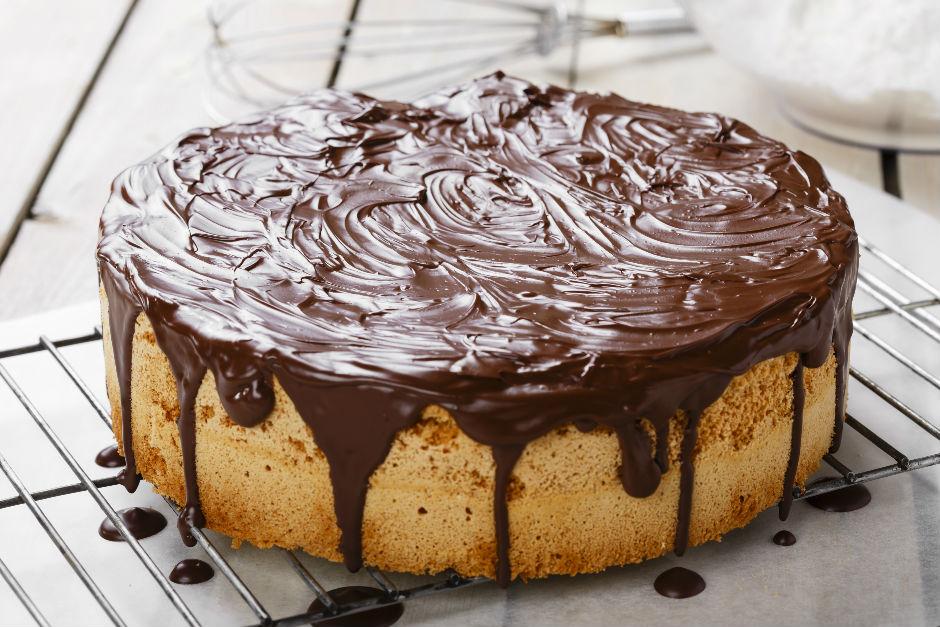 Çikolata Ganajlı Sünger Kek Tarifi