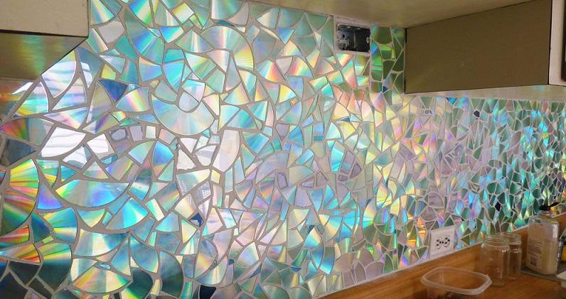 Декор стен из дисков своими руками 99