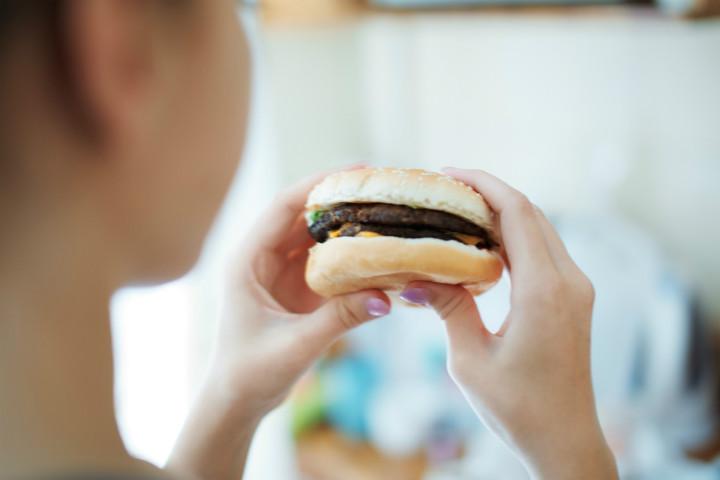 afrodizyak-etkili-yiyecekler-yiyince-neler-oluyor-1