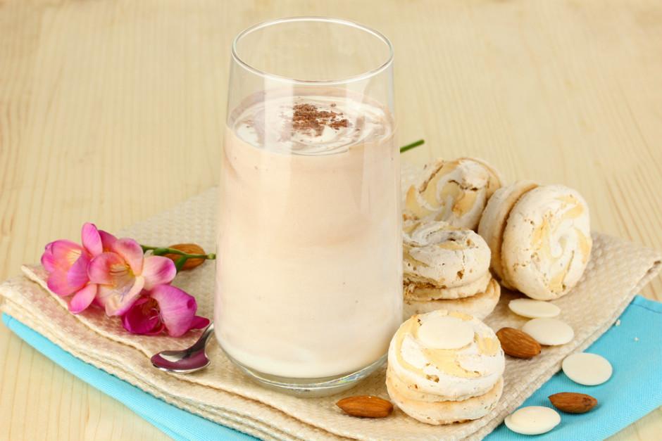 Bademli Süt Kokteyli Tarifi