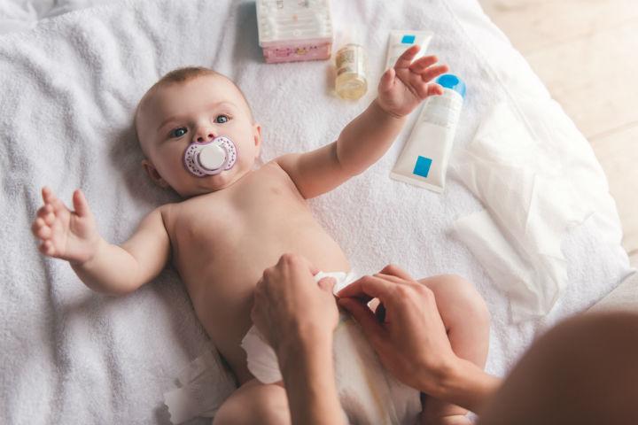 bebeklerin-kabiz-oldugu-nasil-anlasilir