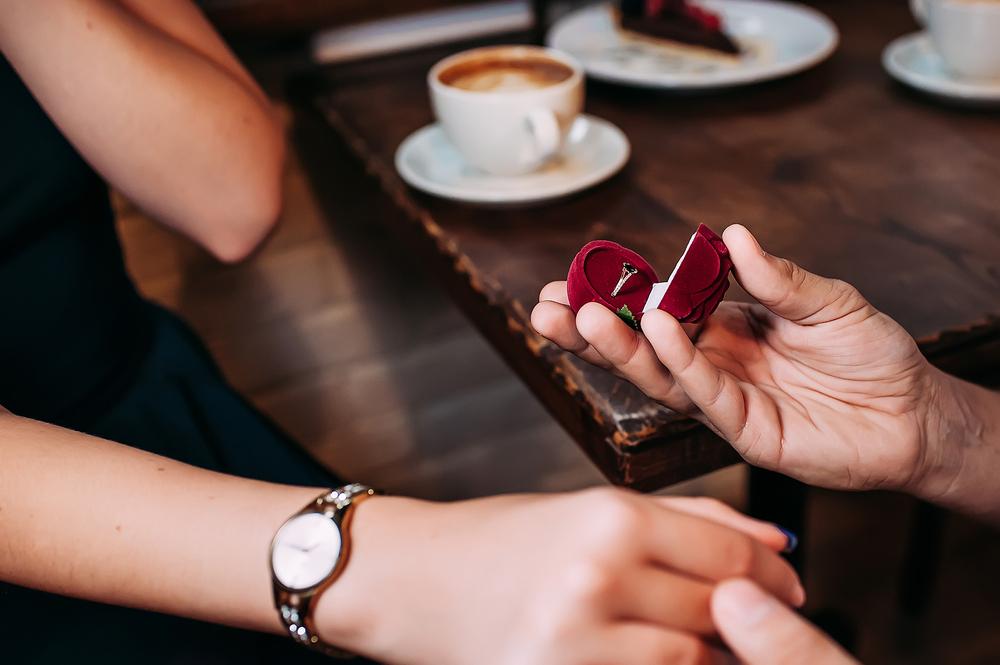 kafede-evlenme-teklifi