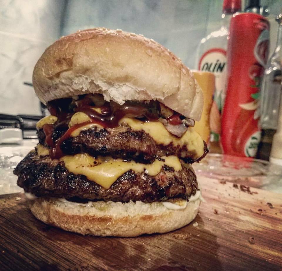ev-yapimi-burger-yemekcom-sm
