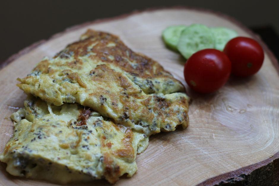 Chia Tohumlu Peynirli Omlet Tarifi