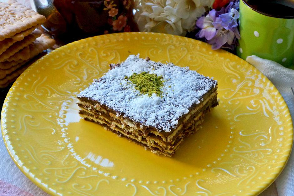 Petibörlü Bisküvili Pasta Tarifi