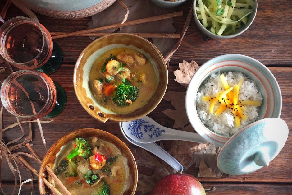 Tavuk ve Karidesli Thai Köri Tarifi
