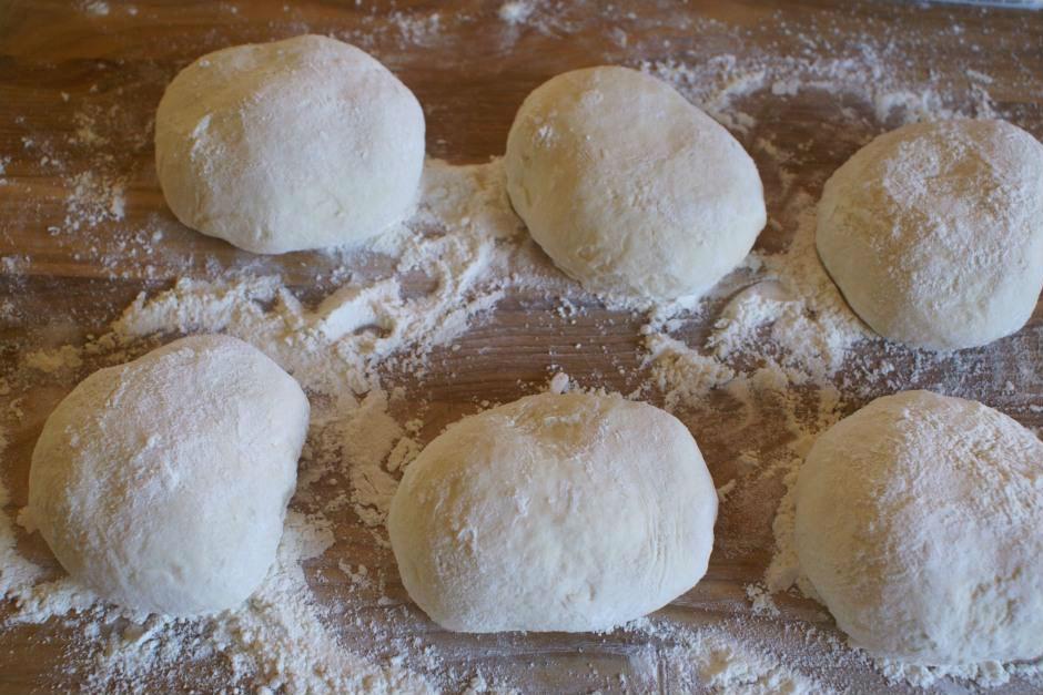bakingwithsibella.com