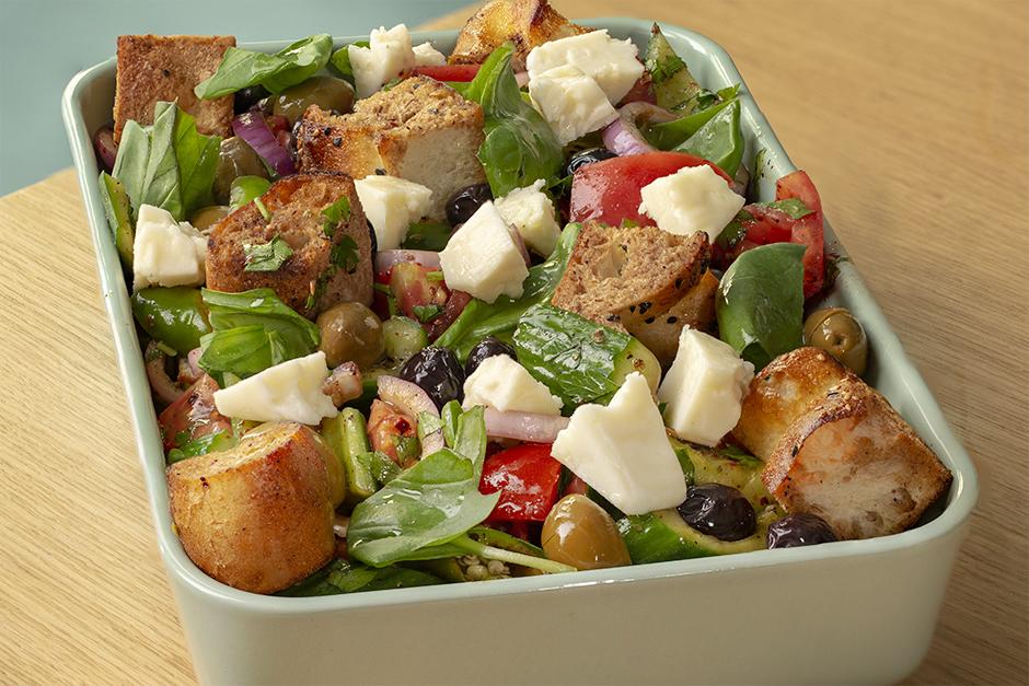Bayat Pideden Domates Salatası Tarifi
