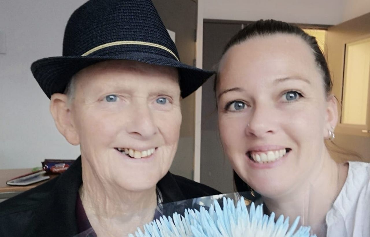 https://finance.yahoo.com/news/paramedics-kind-gesture-elderly-patient-heading-palliative-care-2-110723530.html | Yahoo