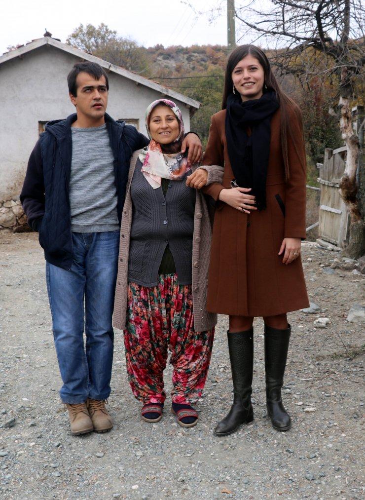 https://www.aa.com.tr/tr/yasam/engelli-ogluna-bakabilmek-icin-70-kilo-verdi/1316054 | AA