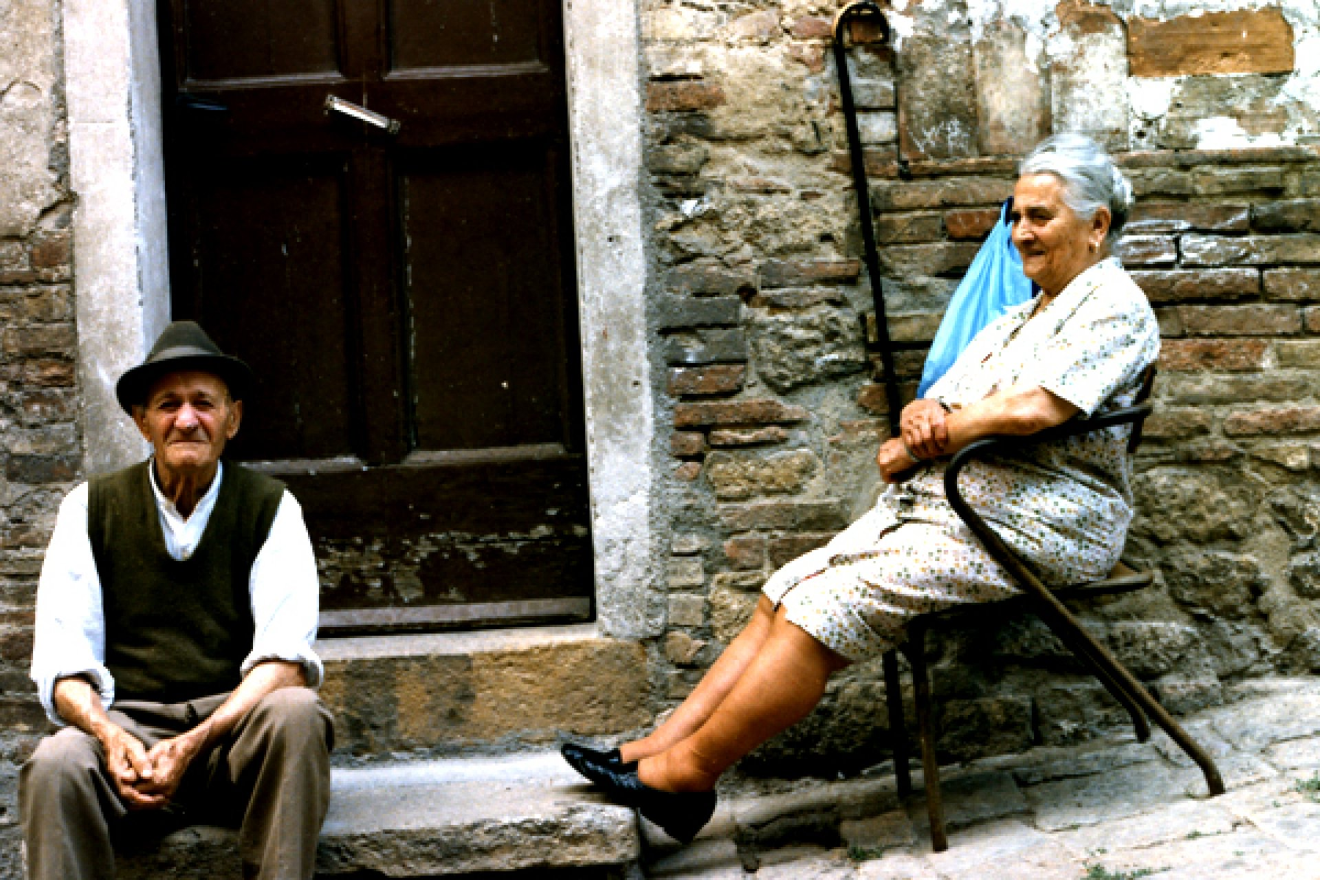 https://media.canal3.md/image/201508/full/old-italian-couple-31125000.jpg | Canal3