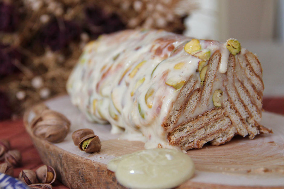 Beyaz Çikolatalı Mozaik Pasta Tarifi