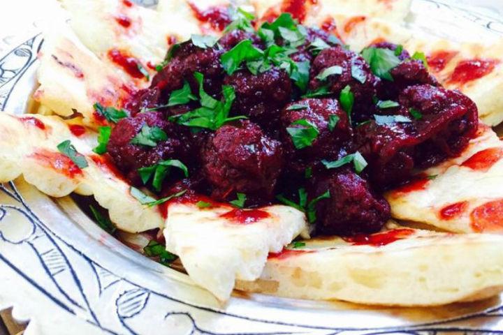 https://yemek.com/tarif/visne-kebabi/   Vişne Kebabı Tarifi
