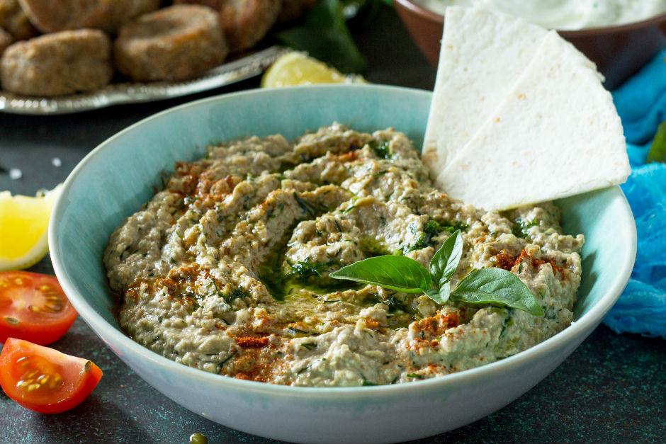 https://yemek.com/tarif/koz-patlicanli-humus/ | Köz Patlıcanlı Humus Tarifi