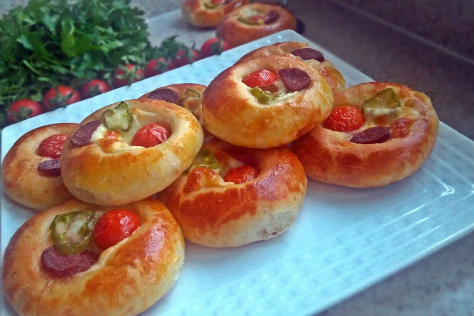 Pastane Tadında Pizza Poğaça Tarifi