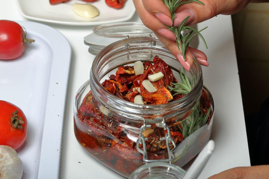kavanozda-domates-kurusu-1