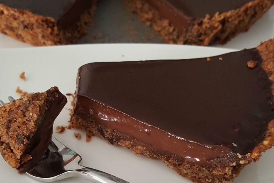 Kolay Çikolatalı Tart Tarifi