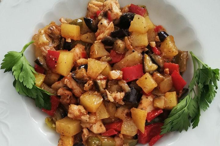 Sebzeli Tavuk Göğsü Tarifi