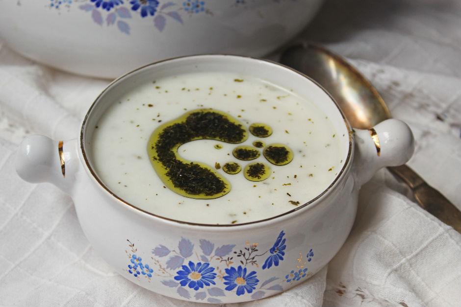 Yumurtasız Yoğurt Çorbası Tarifi