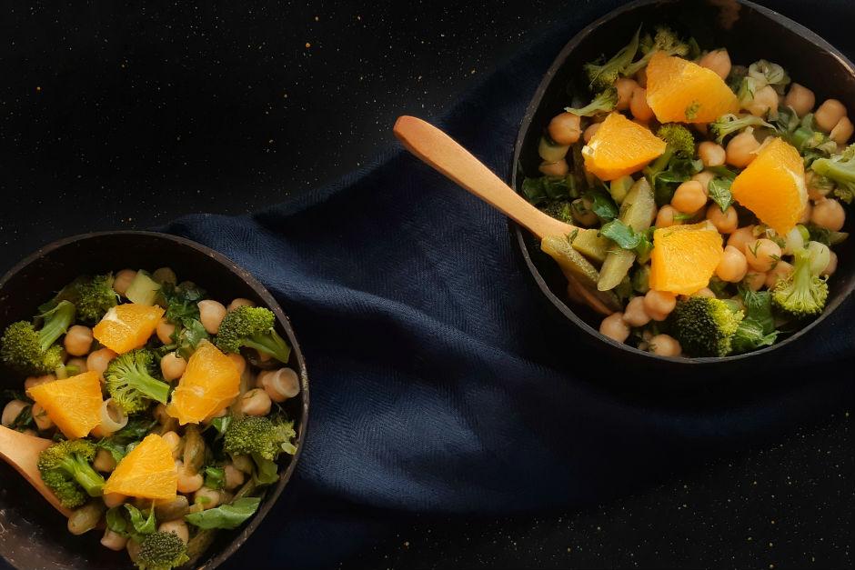 Tatlı Ekşi Nohut Salatası Tarifi