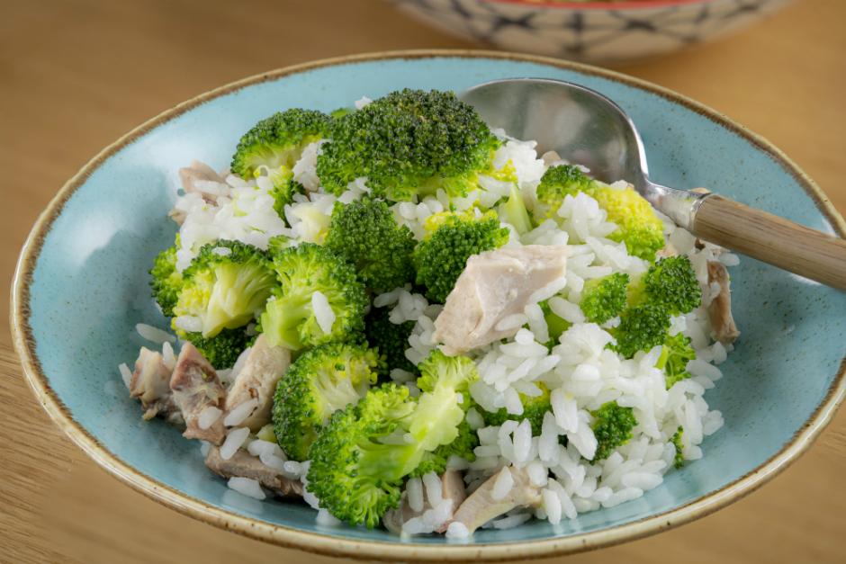 Brokolili Tavuklu Pilav Tarifi