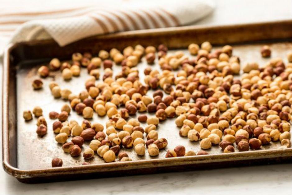 http://oregonhazelnuts.org/recipe/roasting-and-storage/ |oregonhazelnuts.org