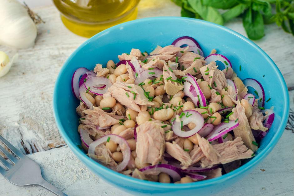 Kuru Fasulyeli Ton Balık Salatası Tarifi