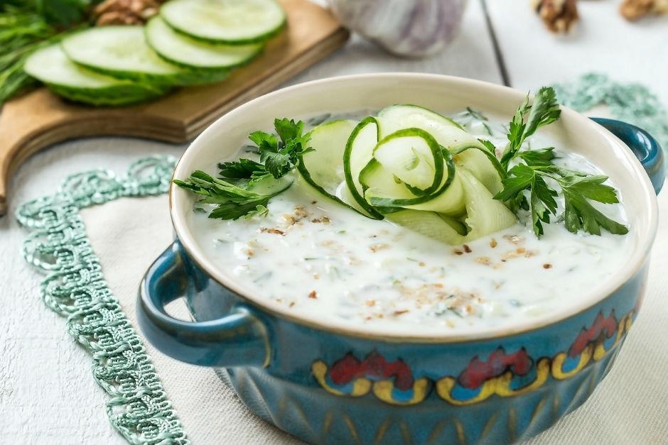 İnce Bulgurlu Soğuk Yoğurt Çorbası Tarifi