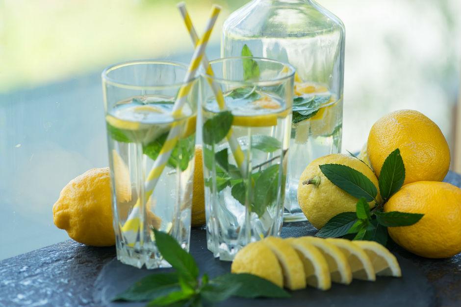 limonlu-naneli-su-nasil-yapilir-2