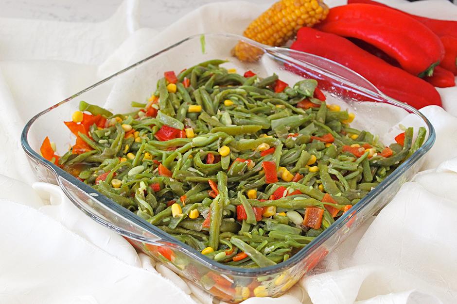 Köz Biberli Taze Fasulye Salatası Tarifi