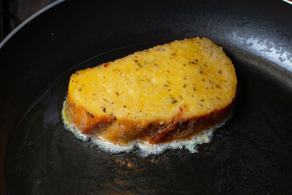 ekmek-kizartirken-yag-cekmemesi-icin-ne-yapilir1