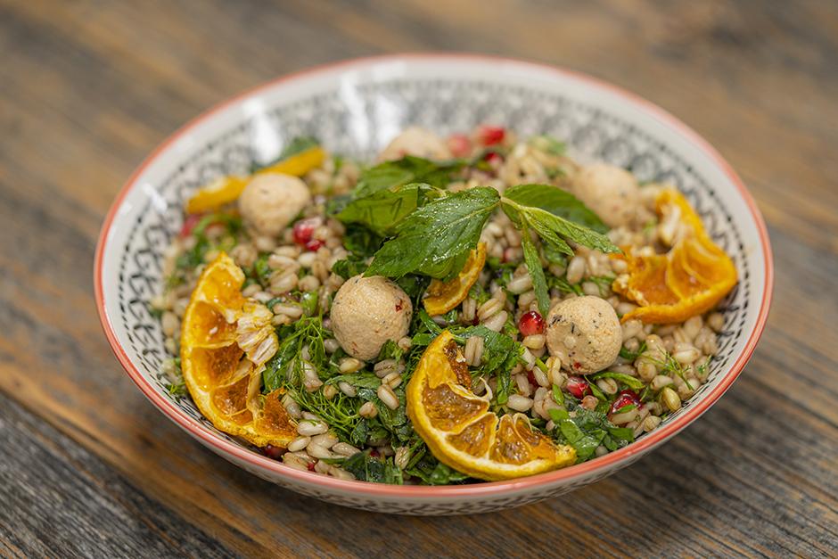 Nar Ekşili Buğday Salatası Tarifi