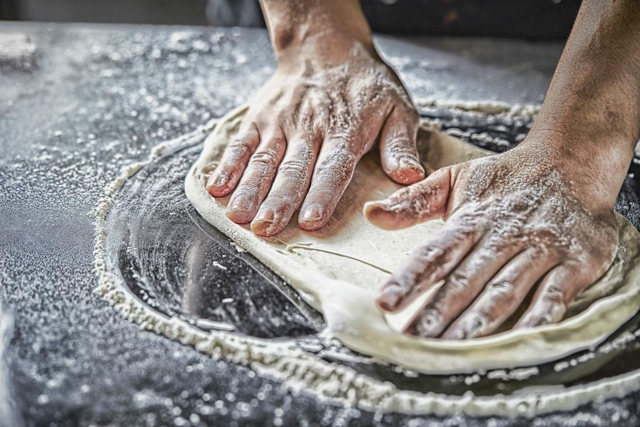 dondurucu-icin-pizza-nasil-yapilir-1