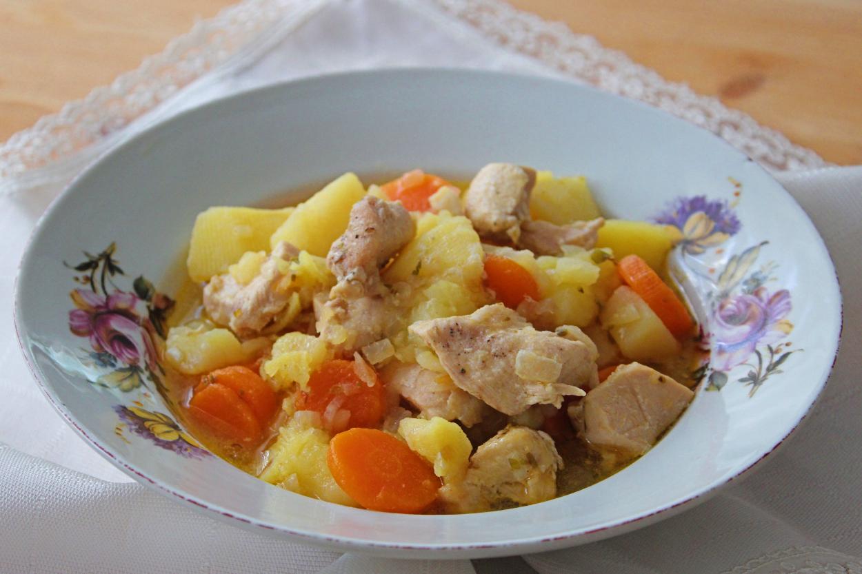 Tavuk Yahnisi Tarifi