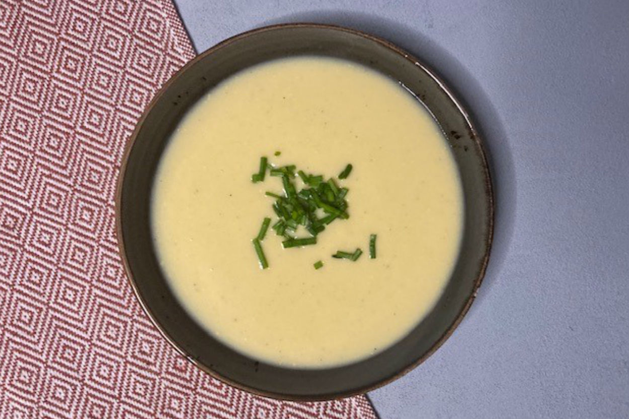 Cheddar Peynirli Karnabahar Çorbası Tarifi