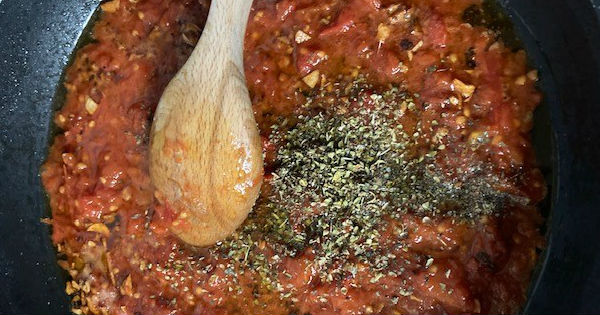 domatesli-feslegen-soslu-kofte-adim-4