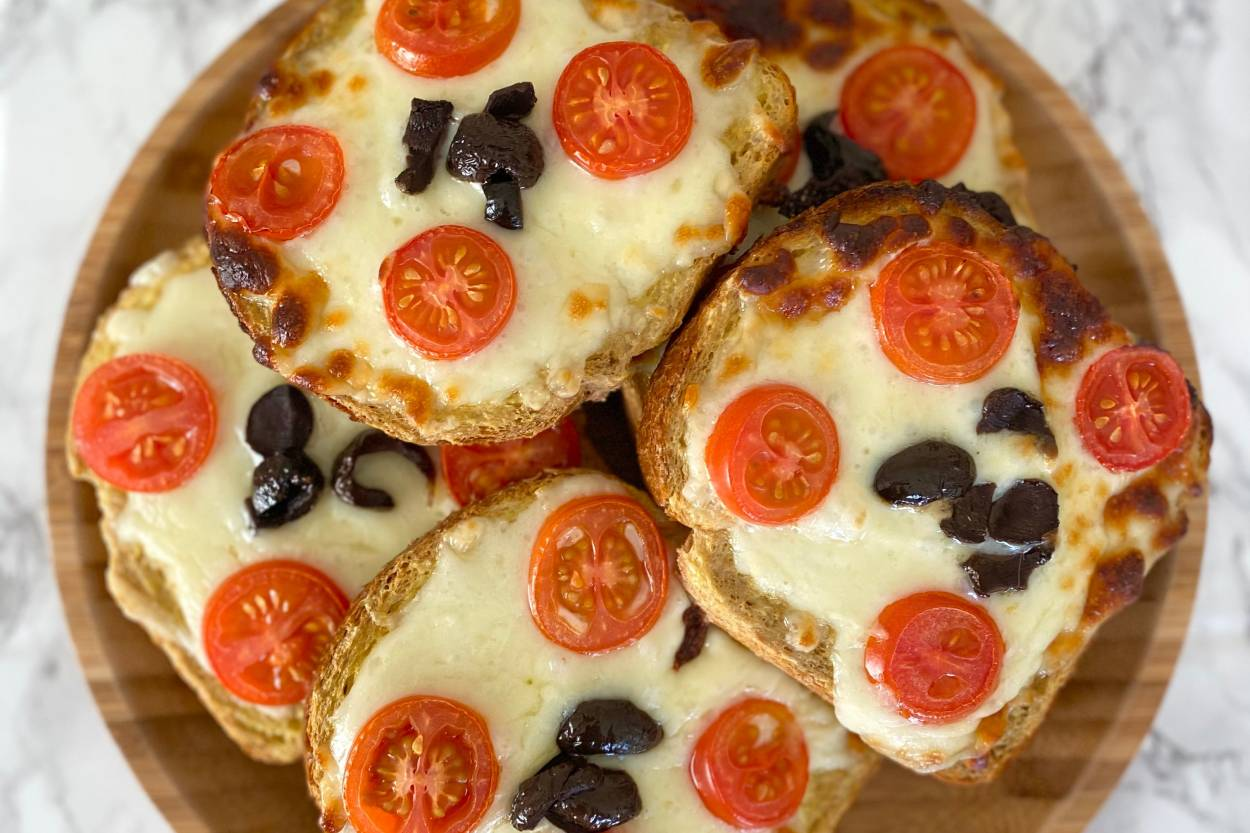 Kahvaltılık Pizza Tarifi